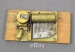 Altes Spielwerk Walzenspielwerk sign. F Spieluhr Bilderuhr music box automaton