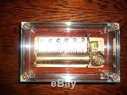 Dauphin (3.72) Reuge Music Box Beautiful