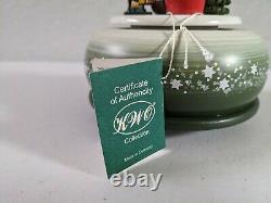 ERZGEBIRGE KWO Music Box Christmas Carved Wood REUGE/ROMANCE Germany SANTA