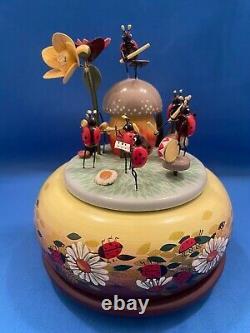ERZGEBIRGE LADY BUGS Music Box Carved Wood REUGE/ROMANCE KWO Germany