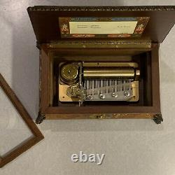 Italy Sorrento Inlaid Floral Music Box Reuge Sainte Croix CH 3/50 Mozart Swiss