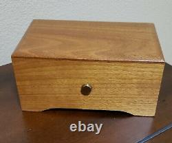 Reuge 36 Note Swiss Music Box, Plays Minuet in G & Liebestraum. Great Condition