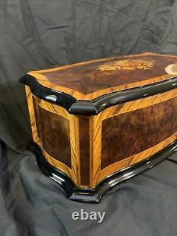 Reuge Dolce Vita Music Box 72 Lames / Notes 15 Airs / Tunes Inlayed Burl Walnut