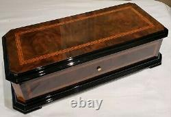 Reuge Music Box with 5.50 Interchangable MVT playing Five Classical Tunes