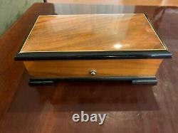 Thorens Vintage Music Box, Pre Reuge 1947, 50 Notes, Great Working Condition