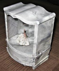 VINTAGE-CODY-PRE-REUGE-DANCING-BALLERINA MUSIC BOX. Le Carillon movement