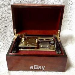 Vintage Heritage International Disc Playing Music Box & 17 Swiss Reuge Discs