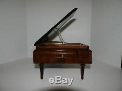 Vintage Reuge Piano shaped wooden music box, 4 songs 50 notes. SUPER CLEAN